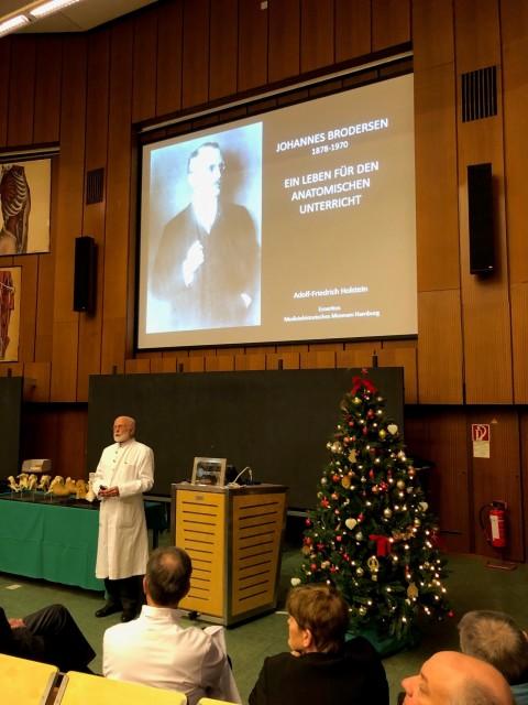 Wunderbare Weihnachtsvorlesung mit Prof. Holstein