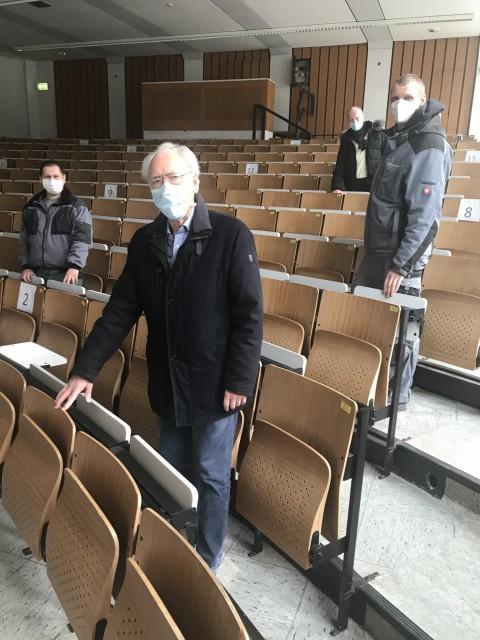 Stuhlpatenschaften im Fritz-Schumacher-Hörsaal